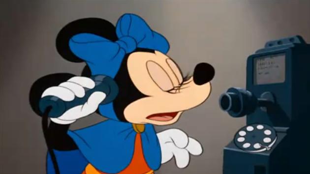 Åhh nej! Mickey Mouse sover over sig! Se filmen og følg hvordan Mickeys date med Minnie går!